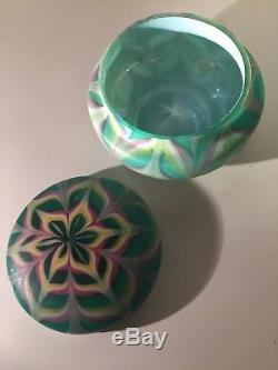 Fratelli Toso Fenicio Art Nouveau Glass Bowl With Matching Lid.  1890-1910