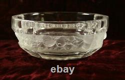 Lalique Style French Art Deco Bohemian Frosted Glass Fruit Bowl 7.75